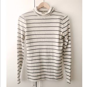Long sleeve striped  turtle neck